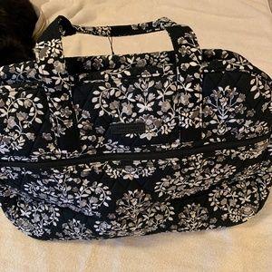 Chandelier Noir Medium Traveler Bag